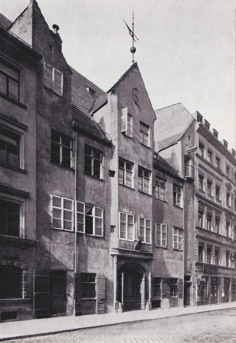 Altes gotisches Haus in der Burggasse