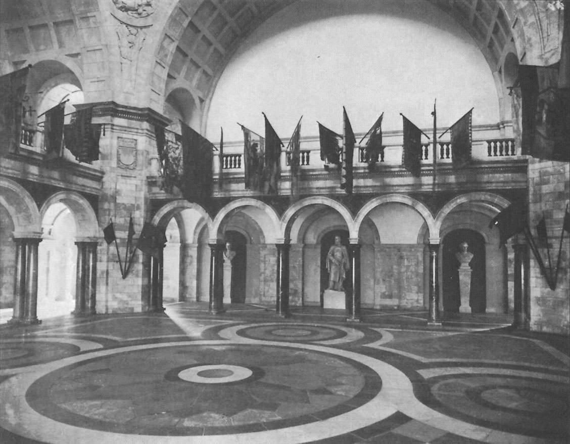 Ehrenhalle im   Armeemuseum