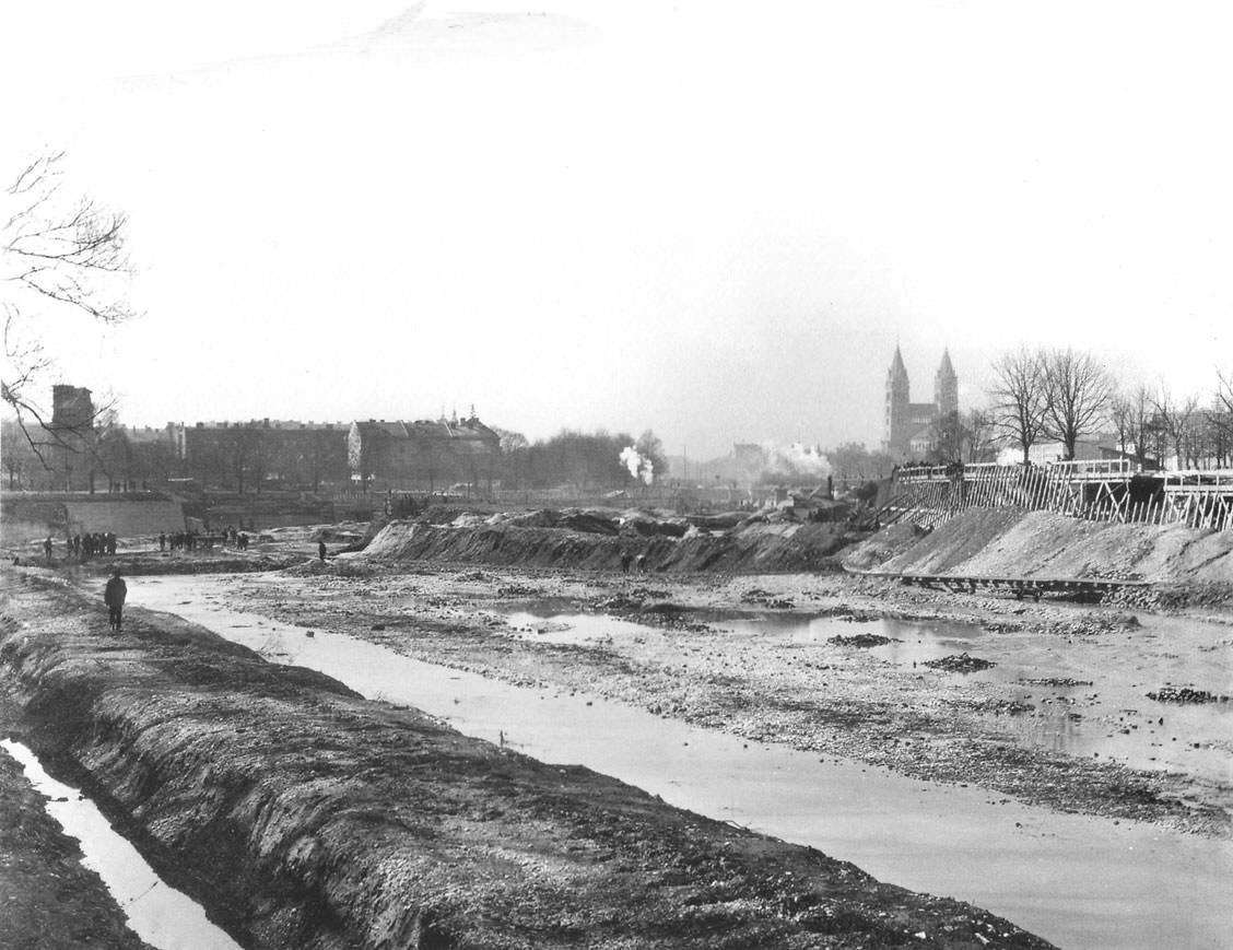 Bau der   Uferbefestigung an der Erhardstraße