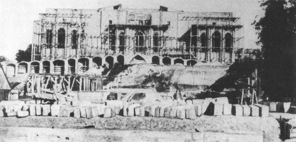 Maximilianeum im Bau