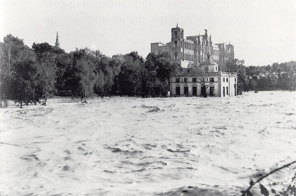 Hochwasser bei den Maximiliansanlagen