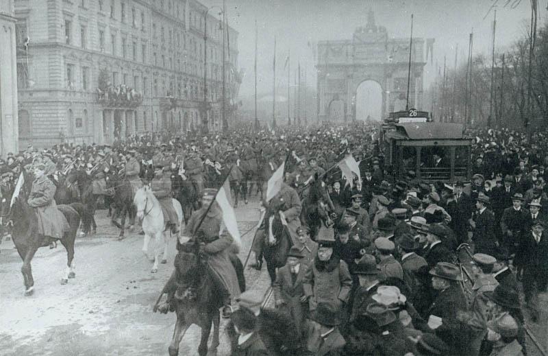 Das 2. Infanterie-Regiment trifft in München ein