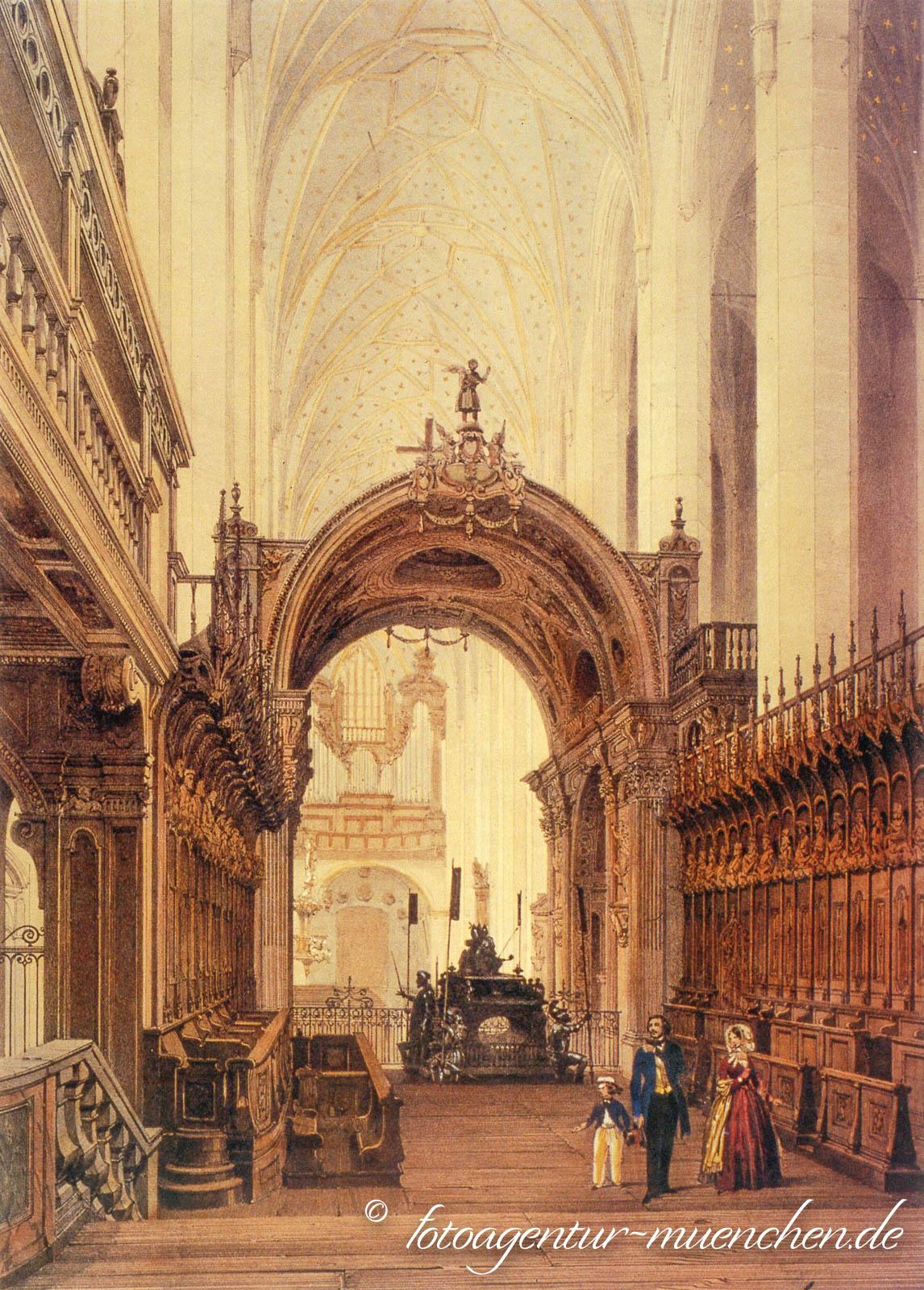 Inneres der Frauenkirche mit Bennobogen