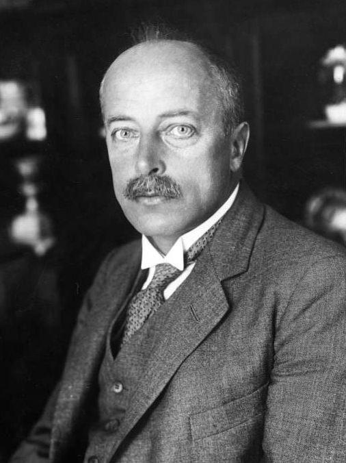 Laue  Max von