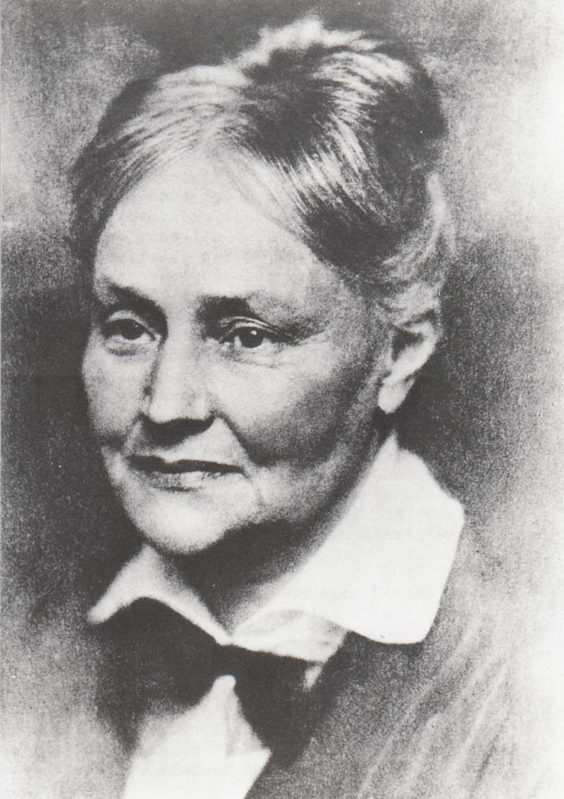 Nacken Amalie